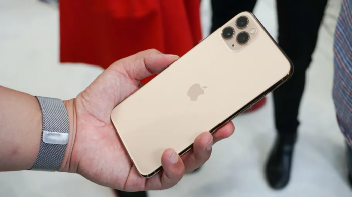 Apple's iPhone 11 Trio Does Feature Wireless Charging Hardware, Reveals Insider